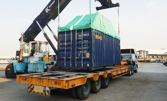 FPT Global container being loaded onto trailer